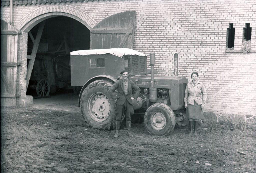 14.17  Lindholm gods, 4000 Roskilde. Der står 1948 på æsken.