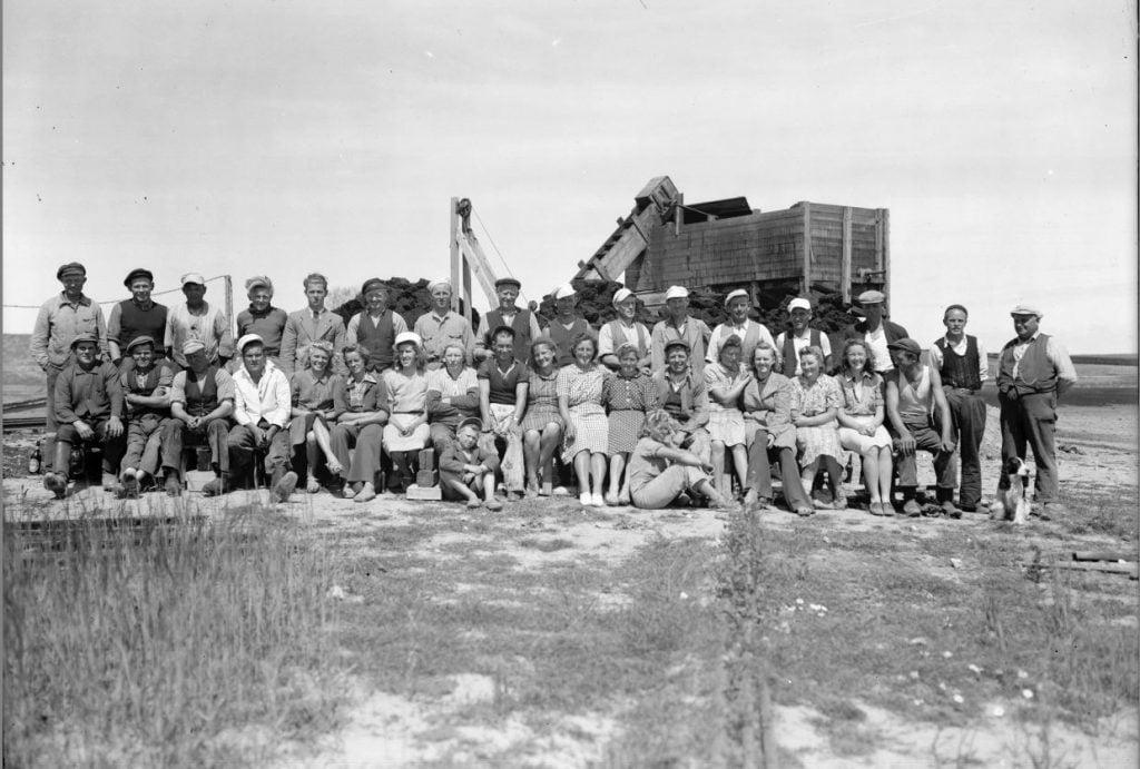 15.4  Tørvegravning, men hvor ?  Der står 1942-43 på æsken