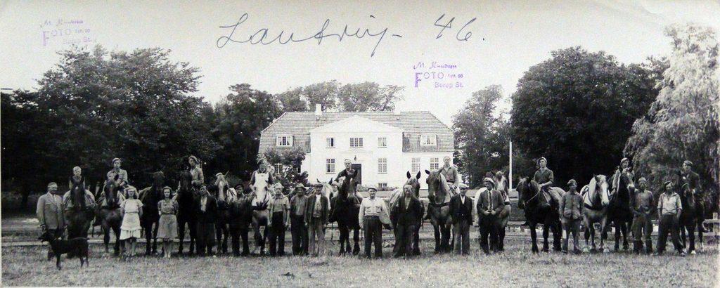 67.77 Lautrupgård 2750 Ballerup, år 1946.