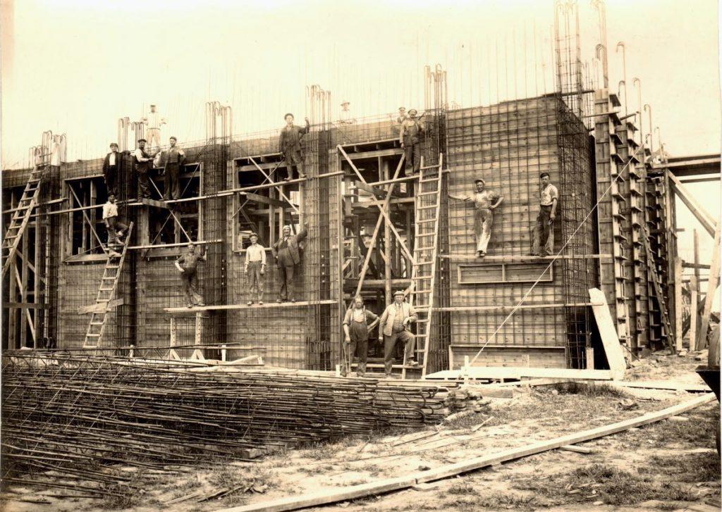 70.6  Glasværk Korsør. Jernkonstruktion til at holde betonmassen.