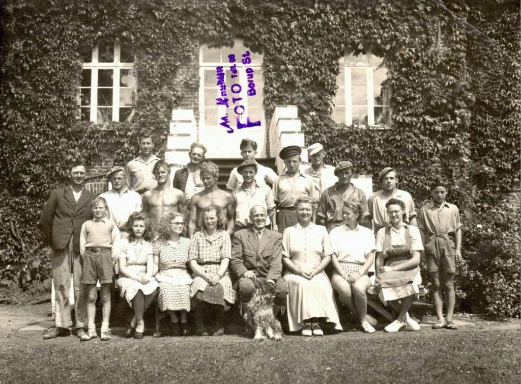 71.85 Mørdrupgård,3540 Lynge. År 1949