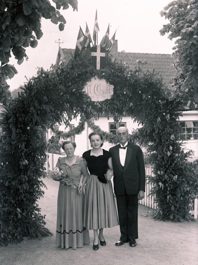 18.5  Sølvbryllup.  År 1953