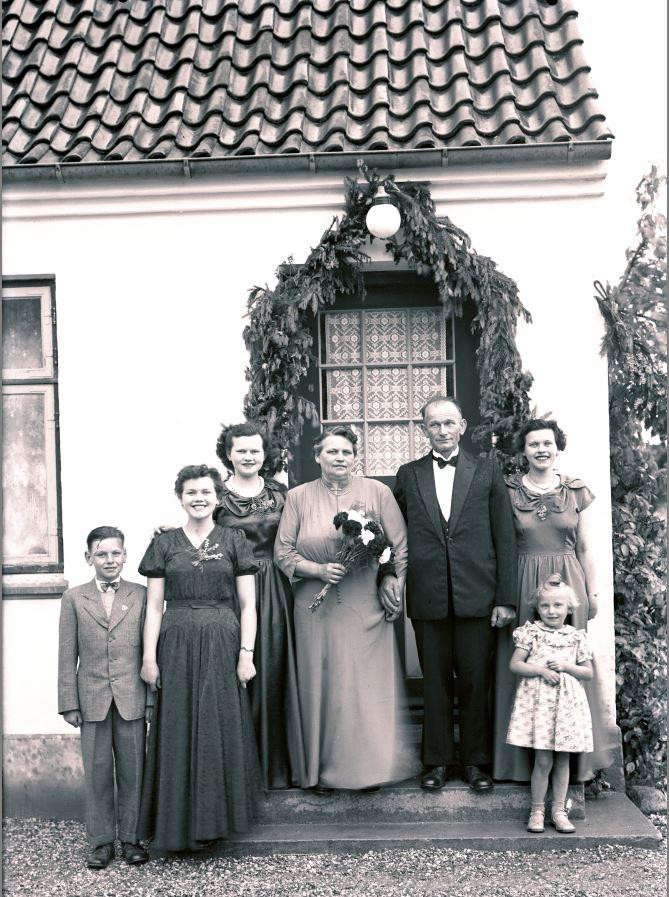 18.8  Sølvbryllup.  År 1953
