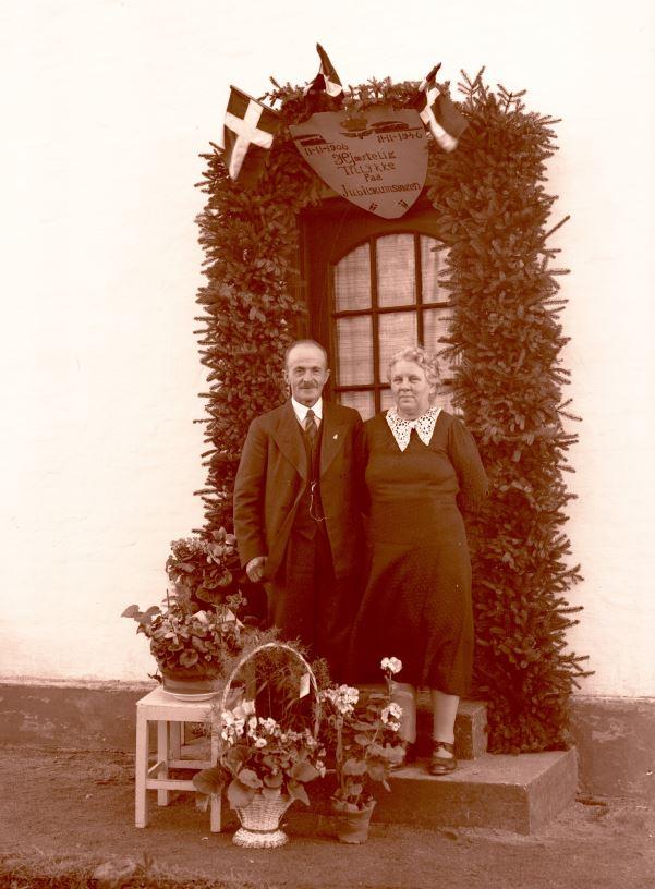 3.14  40 års bryllupsdag 11.nov. 1946  Han var ansat ved DSB ?