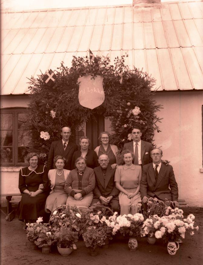 44.10  Guldbryllup 1951