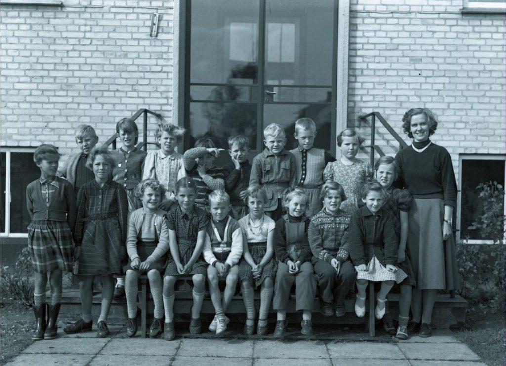 56.10  Ukendt skolebillede