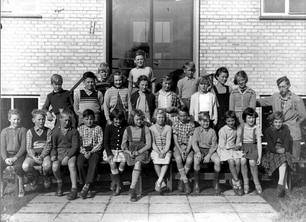 56.11  Borup Skole cirka 1954, lærer Ole Sørensen