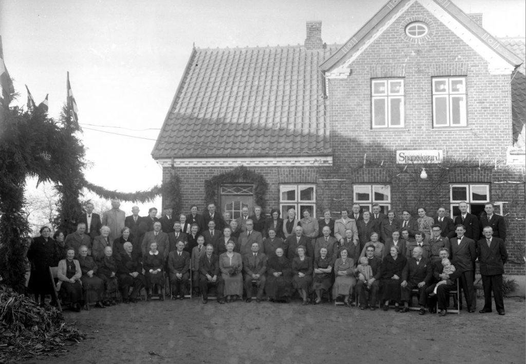 58.11  Sølvbryllup, Spangegaard, Kirkevej 7, 4690 Haslev