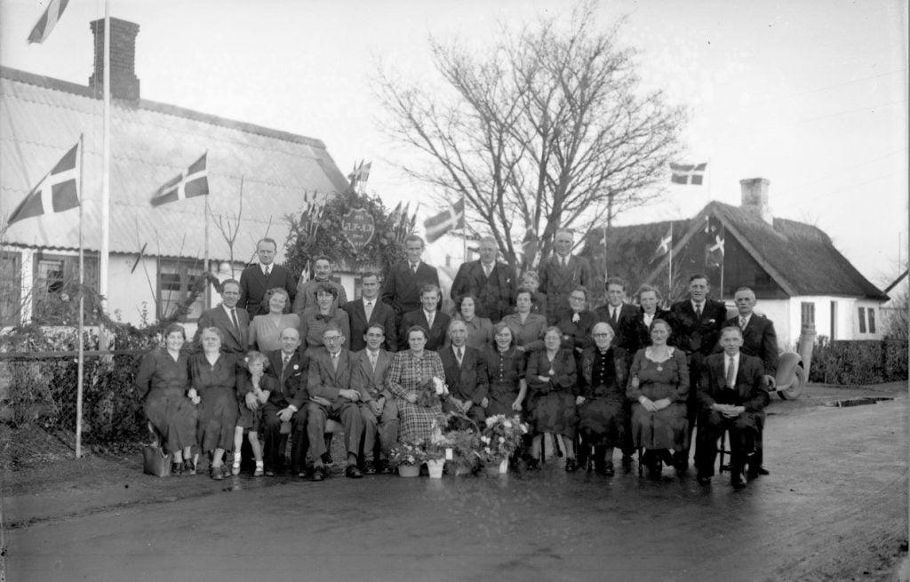 58.16  Sølvbryllup 22. november 1950  AH-MH ?